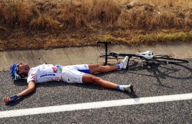 ¿Por qué sufren pájaras los ciclistas?