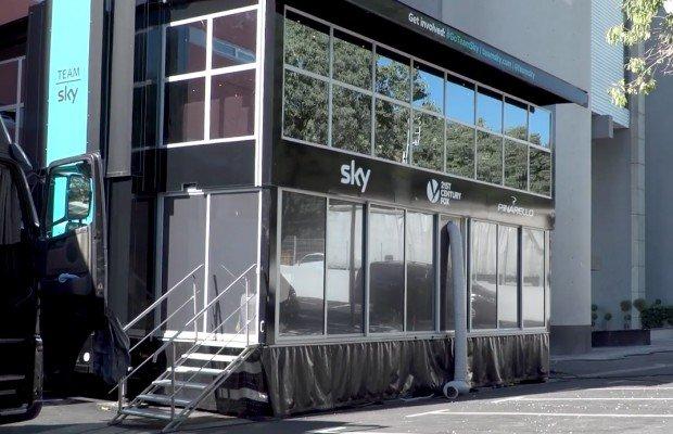 Así es el nuevo camión hotel del equipo Sky que utiliza en la Vuelta a España, un motorhome de 5 estrellas