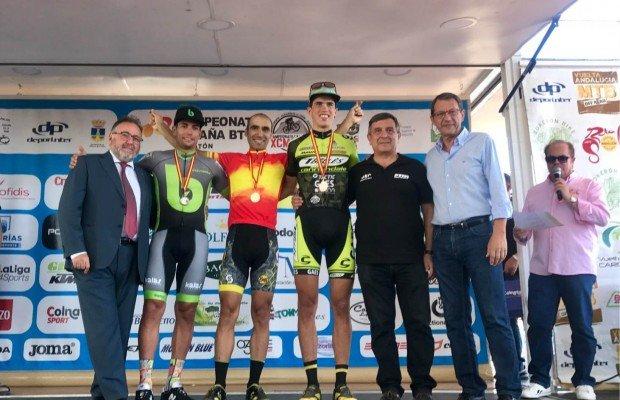 Ismael Ventura y Natalia Fischer campeones de España XCM 2017, Miguel Muñoz del Brujula Bike Team segundo