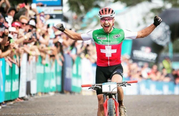 Nino Schurter y Jolanda Neff, campeones del mundo Mountain Bike  XC 2017 en Cairns
