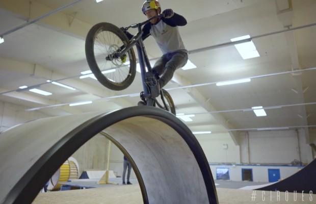 Danny MacAskill y Cirque du Soleil preparan un espectáculo en bici nunca visto hasta ahora