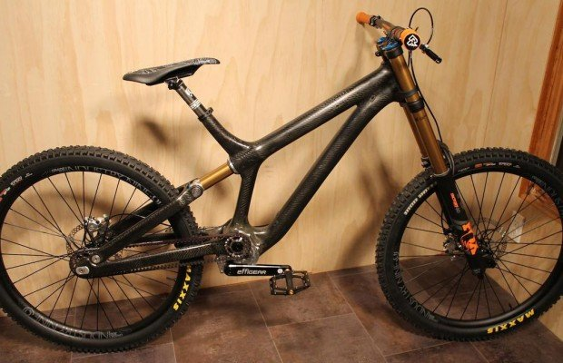 Resistance Bikes propone una mountain bike con amortiguador y transmisión integrada en el cuadro, ver para creer