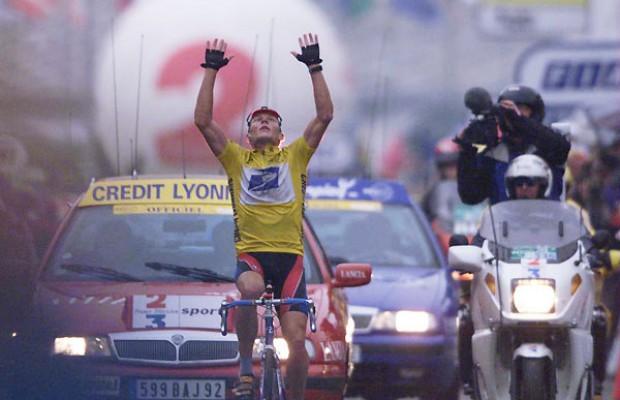 Acusan a Armstrong de usar un motor en el Tour de 1999