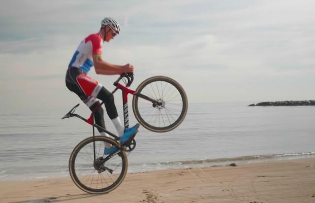 """Así entiende Mathieu van der Poel el ciclismo: """"Divertirse es lo más importante"""""""