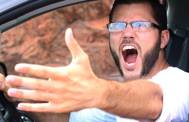 Consejos ciclistas para actuar ante conductores enfadados y agresivos
