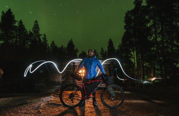 Finlandia en bikepacking: auroras boreales, cabañas y wildness [ VÍDEO]