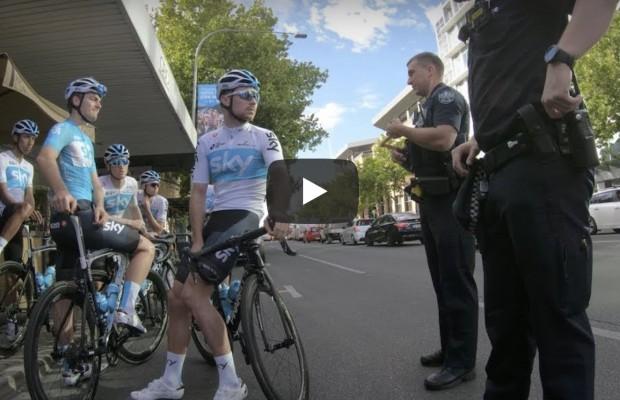 La policía detiene al Team Sky en Adelaide
