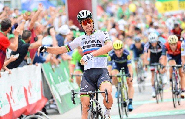 La UCI declara injusta la expulsión de Sagan del Tour. Sagan no provocó la caída de Cavendish