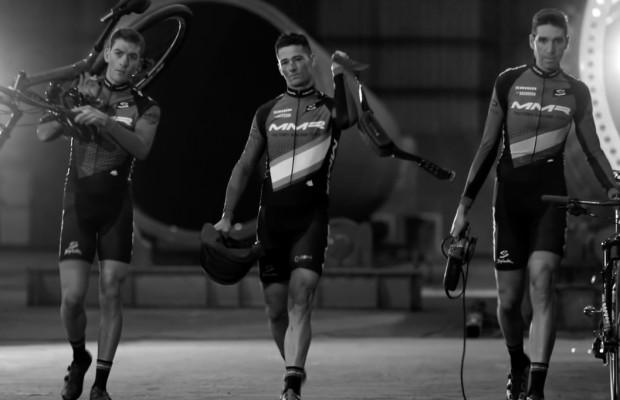 Bicis ligeras, hombres de acero. Este es el MMR Factory Racing Team 2018