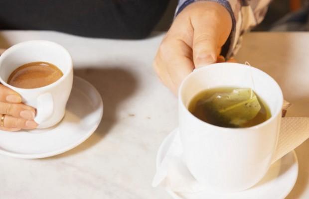 ¿Qué es mejor, el té o el café?
