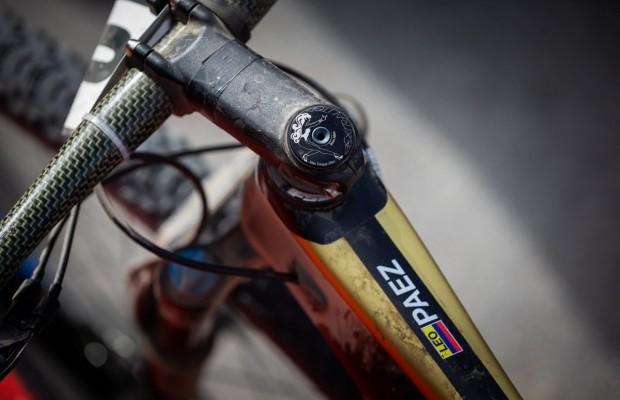 2 mountain bikes Campeonas del Mundo XCM