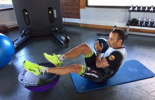 Una rutina sin excusas para entrenar el core en 7 minutos