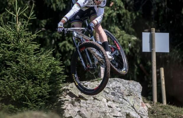 Cuánto tiempo le dedica Nino Schurter al mountain bike