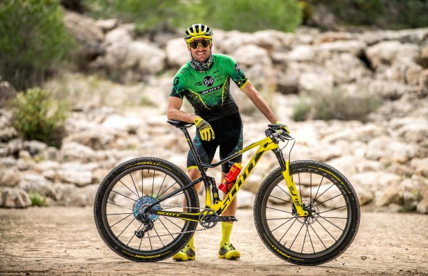 Al detalle las mountain bikes y equipación del BUFF® SCOTT MTB TEAM para 2020