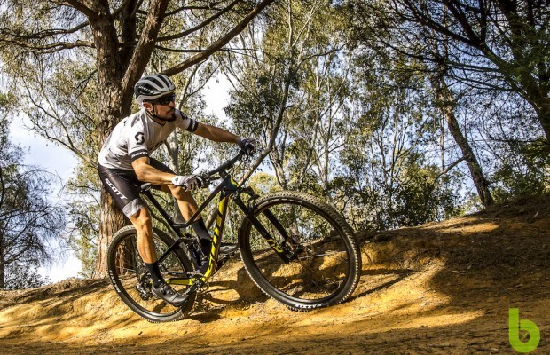 We tested the Scott Spark 900 Rc Team Issue AXS, a mountain bike unbeatable in its price range