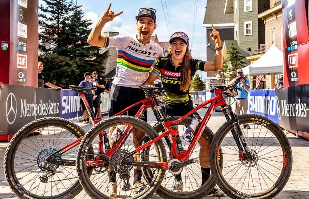 Nino Schurter y Kate Courtney renuevan hasta 2022 por el Scott SRAM