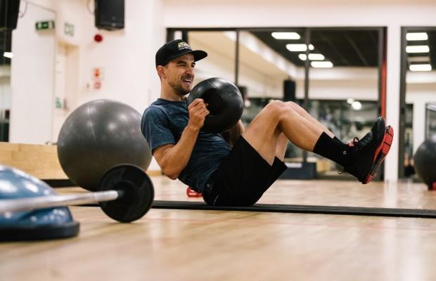 Nino Schurter explica su rutina de ejercicios en gimnasio ¿te atreves?