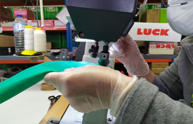 Luck Cycling Shoes también se pone a fabricar material sanitario