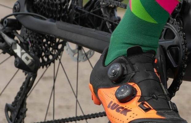 Cómo colocar las calas correctamente en tus zapatillas de mountain bike