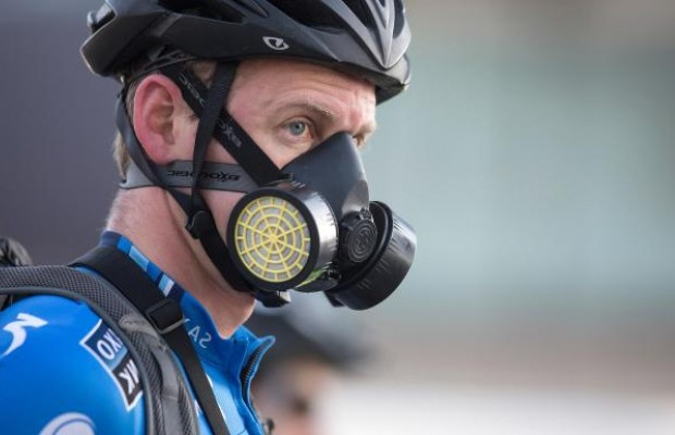 El ministro de Sanidad recomienda la bicicleta para mitigar contagios