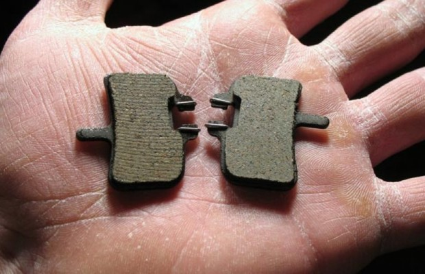 How to clean brake pads