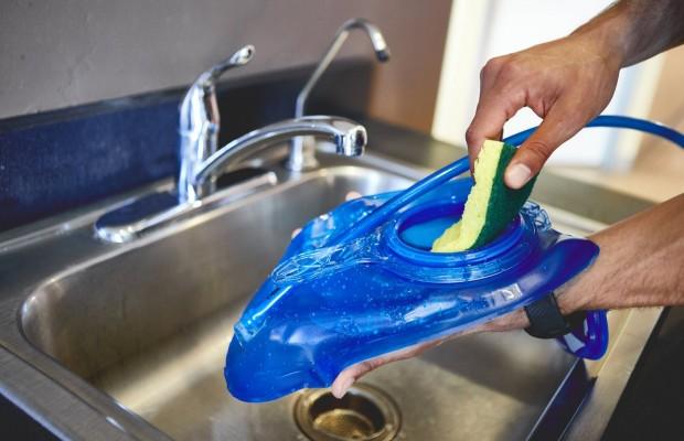 Cómo limpiar el camelback o bolsa de hidratación