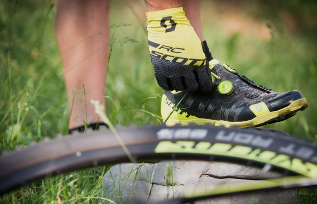 Tips for choosing cycling shoes and Mountain Bike shoes: size, model, sole...