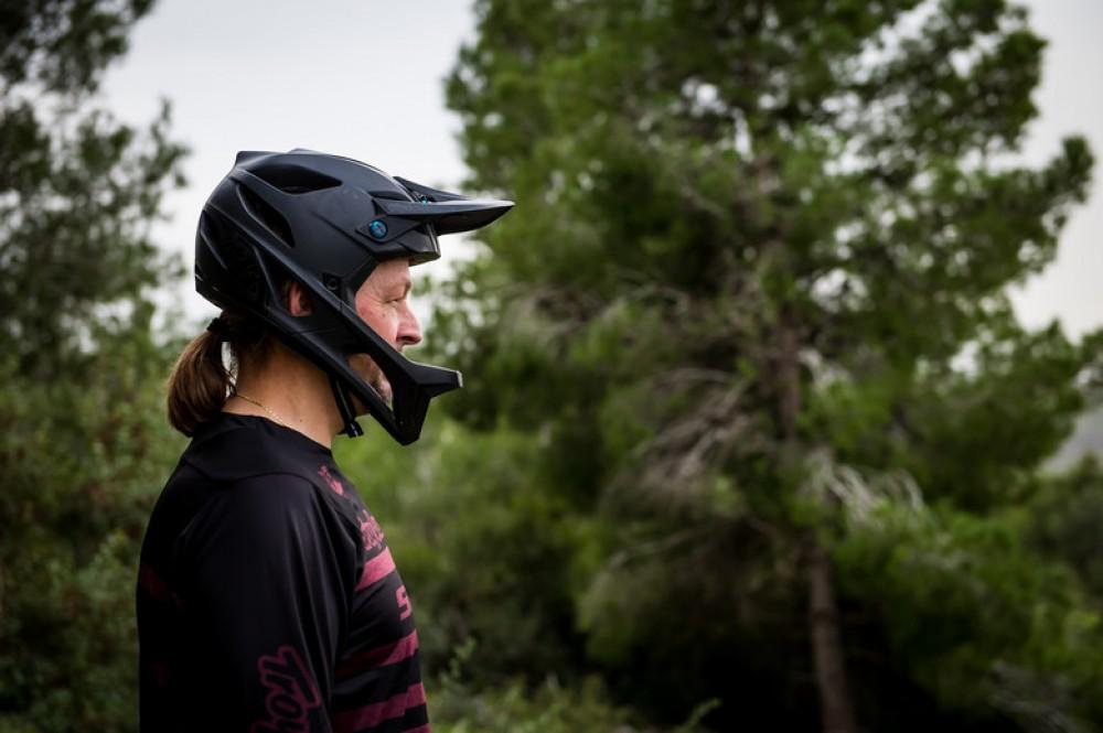 pruebas-seguridad-casco-homologacion/