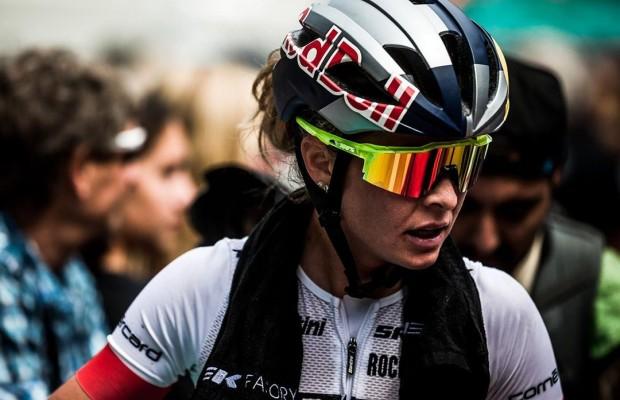 ¿Por fuera o por dentro? cómo se ponen las gafas de ciclismo