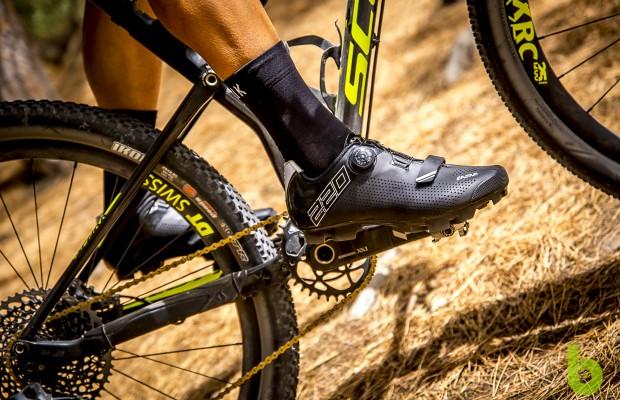 Eassun 220: unas zapatillas de MTB cómodas y rígidas, listas para la competición