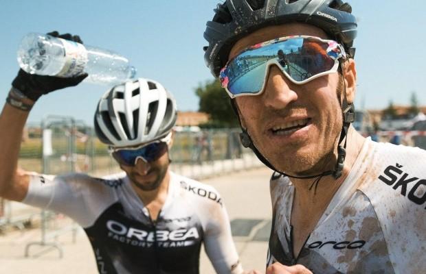 Calor y pulsaciones altas, así ha sido la etapa 1 de Colina Triste para Zugasti y Oliver Avilés