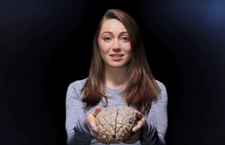 Kate Courtney difunde el peligro de la conmoción cerebral