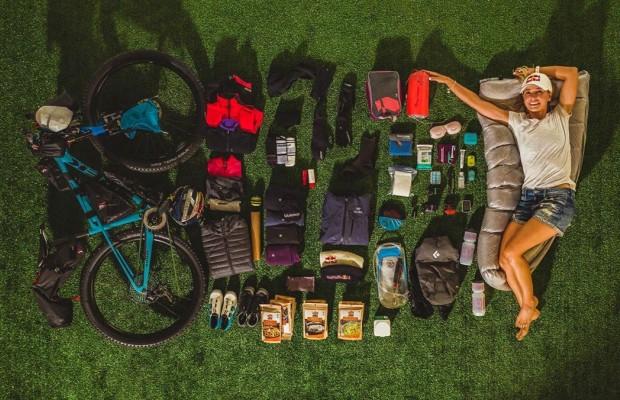 Todo el material con el que Emily Batty cruzará Islandia en bikepacking