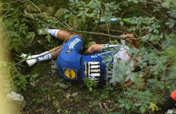 Was Evenepoel hiding something in his jersey? The UCI is currently investigating it