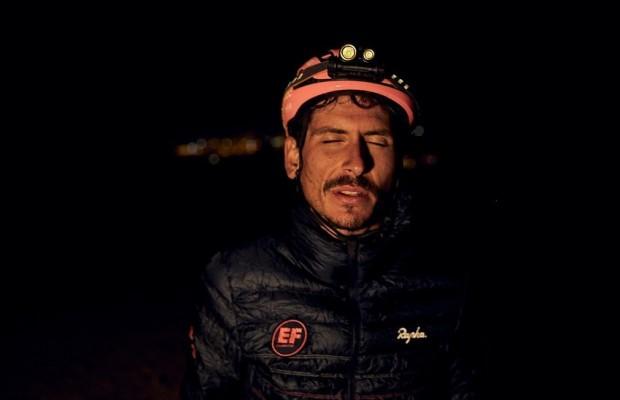 Lachlan Morton pedalea más de 43 horas sin parar para ganar Badlands