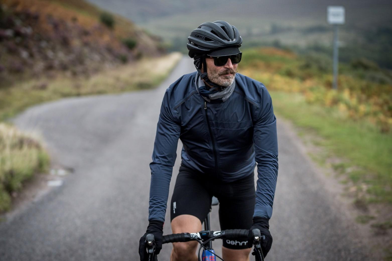 cuidar-prenda-impermeable-ciclismo/