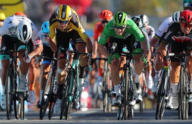 Peineta de Van Aert y sanción para Sagan en el Tour