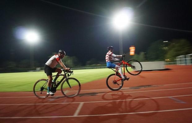 Nuevo récord mundial de caballito en bici: 31 km en 1 hora