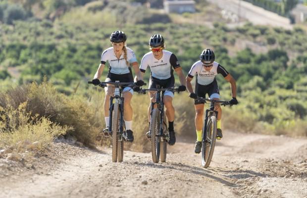 Decathlon presenta una tirada limitada del conjunto técnicoRockrider Racing Team
