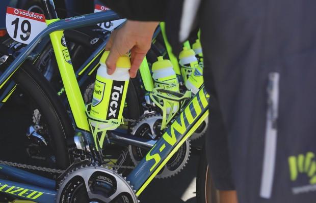 Cómo limpiar los bidones ciclistas