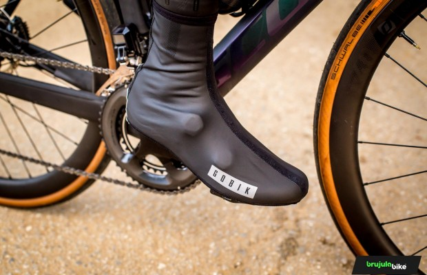 We tested Gobik's KAMIK BLACK overshoes and give them an