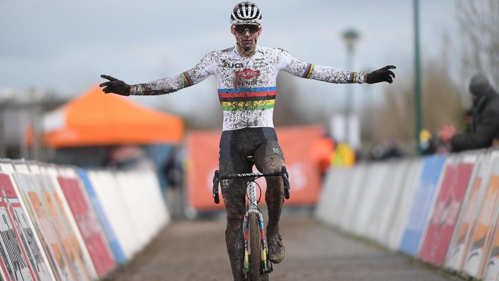 van-aert-van-der-poel-favorito-ciclocross/