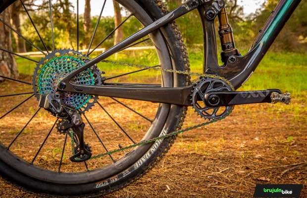 SRAM Eagle AXS 2021, we test the most advanced MTB groupset of the moment