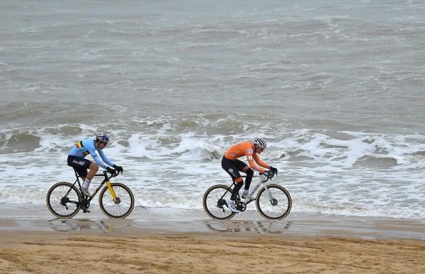 Así ganó Van der Poel su cuarto mundial de ciclocross