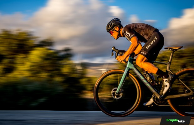 Testing the Scott Addict eRIDE Premium, an electric racing bike