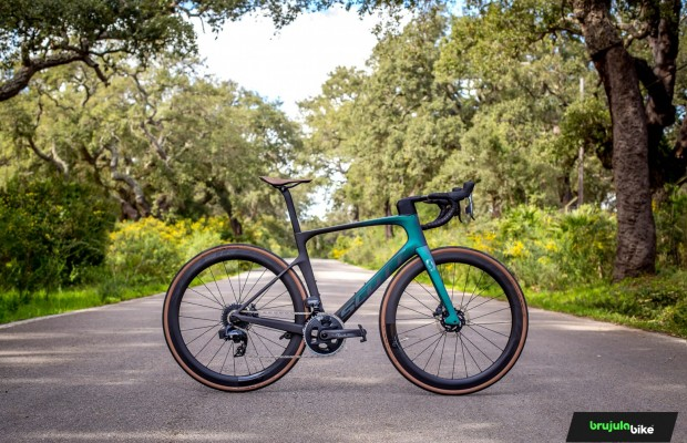 We test the Scott Foil 10, pure speed
