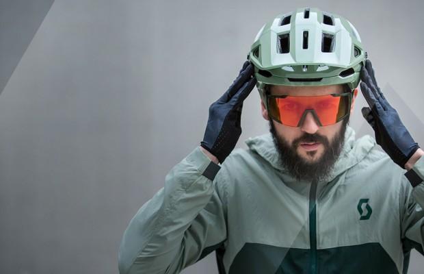 El casco en la bici podría convertirse en obligatorio siempre y sin excepciones