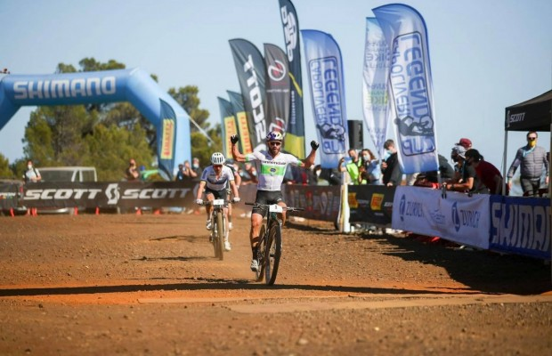 Avancini beats Schurter in the sprint at the Capoliveri Legend Cup