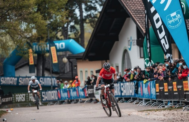 Mathias Flückiger and Loana Lecomte win a Marlene Südtirol Sunshine Race of the highest level