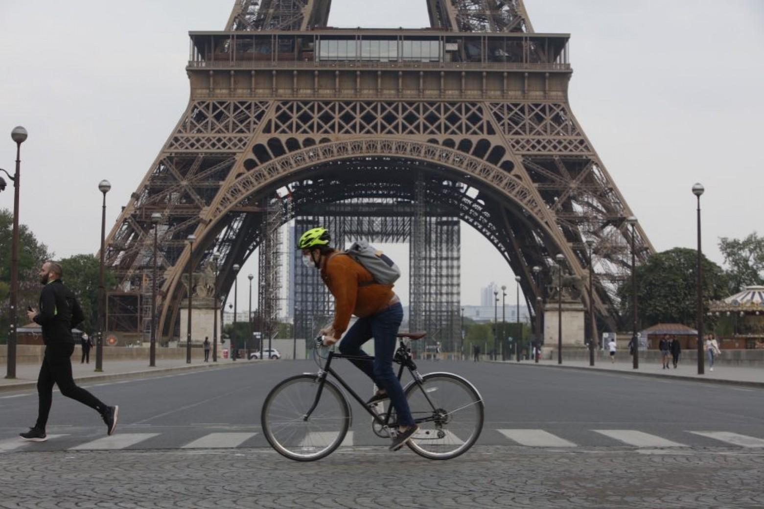 francia-2500-euros-e-bike-coche-antiguo/